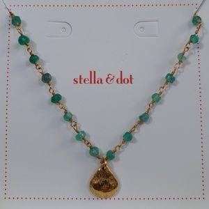 Stella & Dot La Folie Necklace-Green